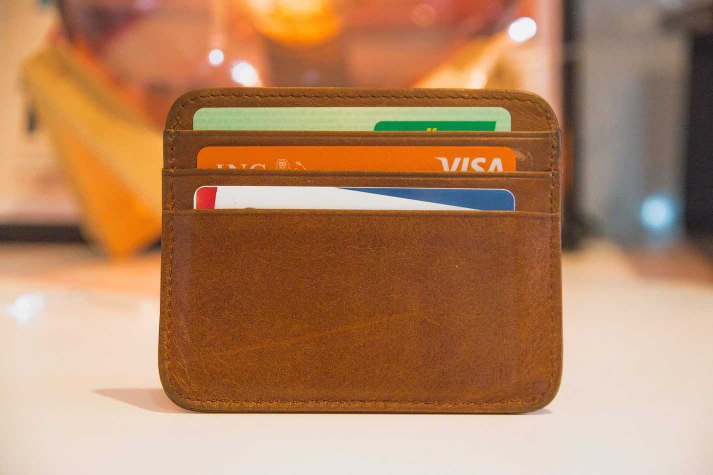 Small card holder with credit cards